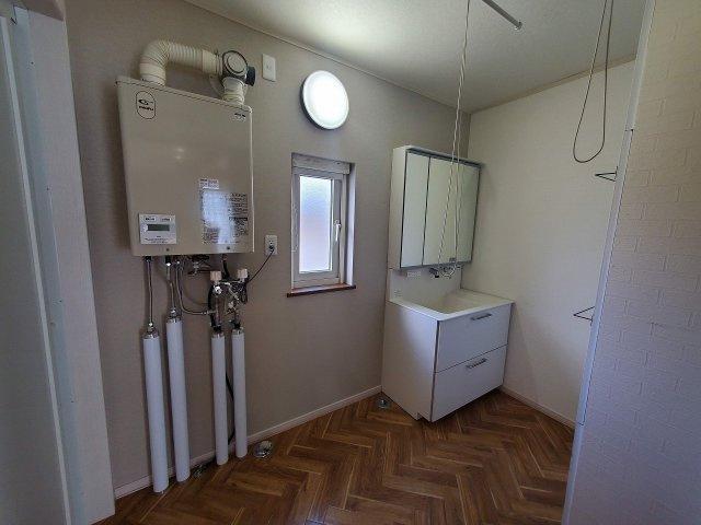 脱衣、洗面・洗濯機スペース