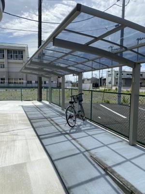 自転車置き場を新設しました。
