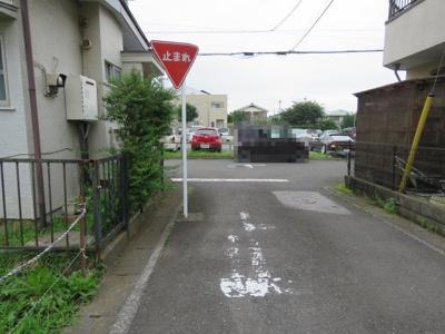【前面道路含む現地写真】鶴ヶ島市松ヶ丘売地