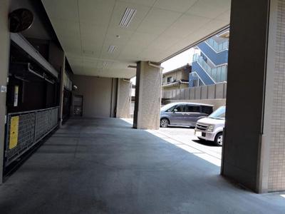 駐車場位置は2年ごとに改選があります。