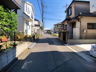 前面道路は4m公道と4m私道です。