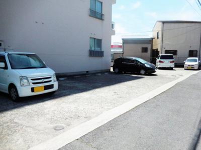 【駐車場】高岸マンション