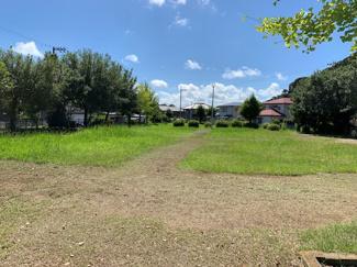 近隣には、公園もあり、閑静な住宅街になります。