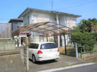 君津駅徒歩10分圏内の立地。古屋付き土地販売となります。地勢も良く建築プランが入りやすい土地です。