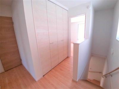 2階ホールの大型収納はとても便利です!