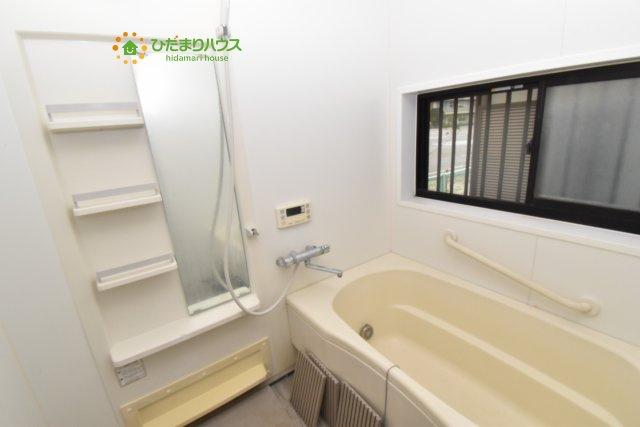 清潔感のある浴室はゆったり浸かれて日頃の忙しさから解放してくれます(^^♪