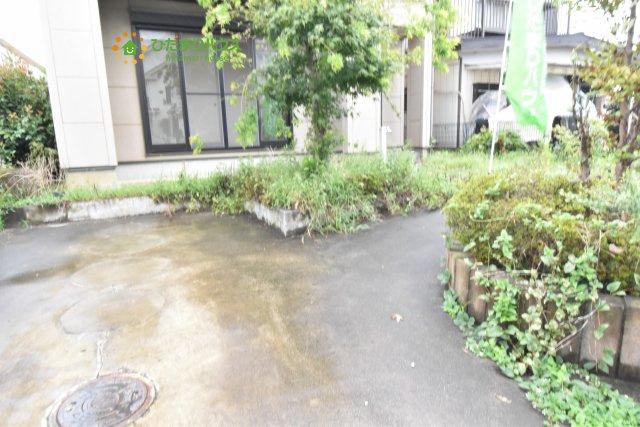 【駐車場】鴻巣市宮前 中古一戸建て