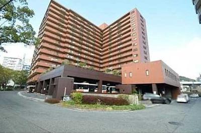 総戸数179戸の広島でも屈指の大型マンション!大規模修繕もしっかりしていて、安心してお住まいになれます。