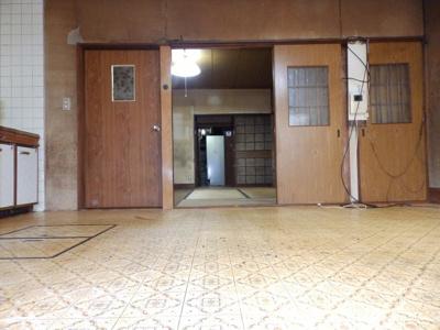 【居間・リビング】伊丹市寺本1丁目168