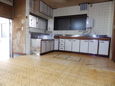 【キッチン】伊丹市寺本1丁目168