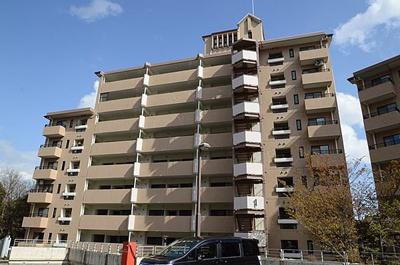【現地写真】 総戸数120戸の 大規模マンションです♪