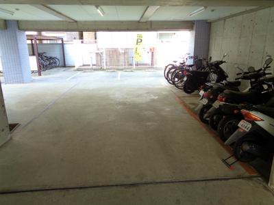 原付置場・駐車場