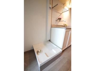 使いやすい洗面所です ※お部屋により色・仕様等の違いがあります。現況優先となります。