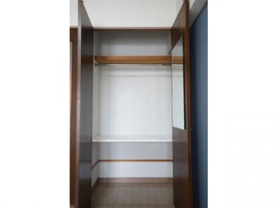 大きなスペースがあり、収納には困りません ※お部屋により色・仕様等の違いがあります。現況優先となります。