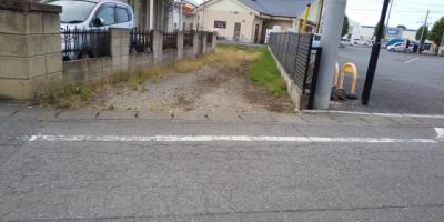 【前面道路含む現地写真】藤岡市上大塚 住宅用地