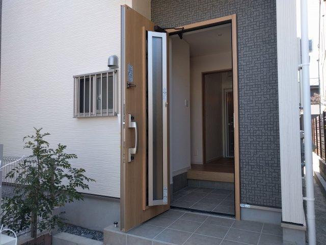 【玄関】板付2丁目新築戸建て