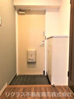 シューズボックスもある玄関です