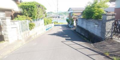 【前面道路含む現地写真】丸亀市飯山町東坂元 中古住宅