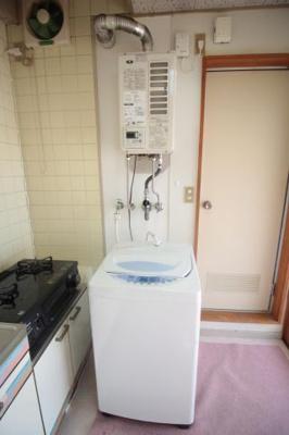洗濯パン 洗濯機あります。