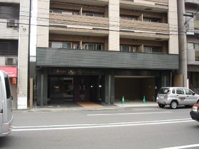 【エントランス】スワンズ京都二条城北