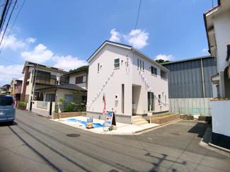 敷地は約31.4坪で建物は述べ約27.4坪の3LDKです。