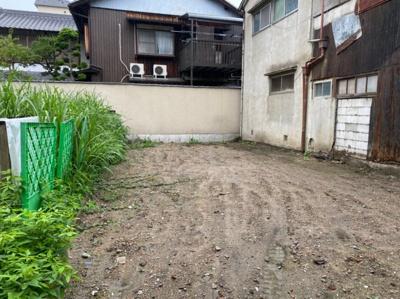 【庭】保田川原城町店舗
