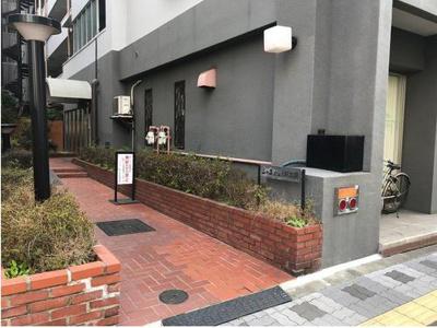 【エントランス】シャンボール第3新大阪