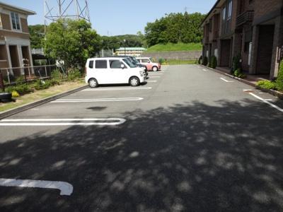 【駐車場】クリスタル・コート