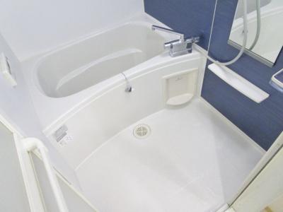【浴室】クリスタル・コート
