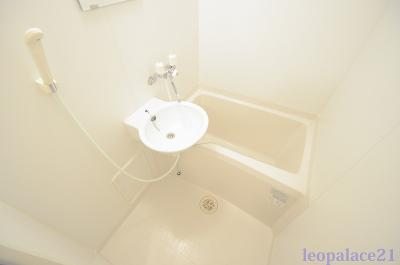【浴室】レオパレスQUATRE SAISONS