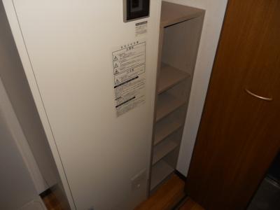 電気温水器・下駄箱