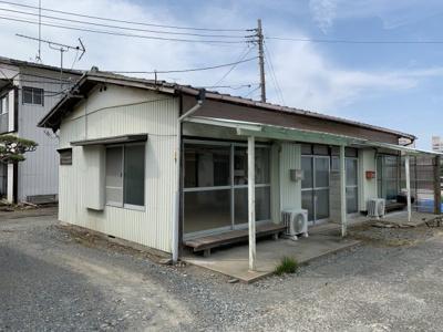 【外観】棟割住宅