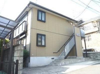 積水ハウス施工の賃貸住宅シャーメゾン♪小田急小田原線「生田」駅より徒歩圏内!スーパーやコンビニが近くて便利な住環境です☆閑静な住宅地にある2階建てアパートです♪