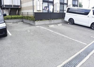 【駐車場】レオパレス若竹