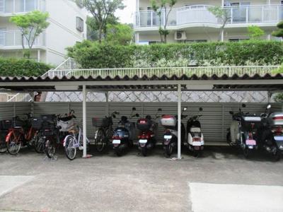 【駐車場】名谷27団地109号棟