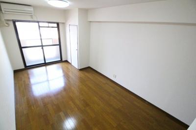 【居間・リビング】サンハウス神戸
