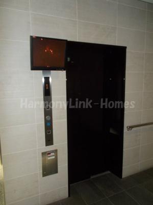 AZEST大山東のエレベーター