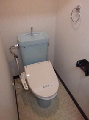 105 トイレ(温水洗浄便座)