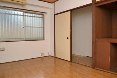 佐藤マンション 洋室