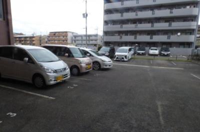 【駐車場】※ロイヤルアネックス