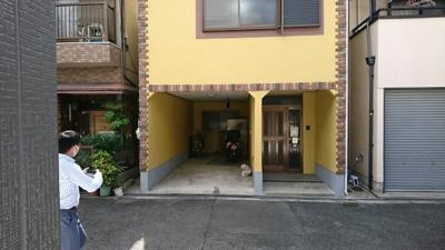 1階玄関外