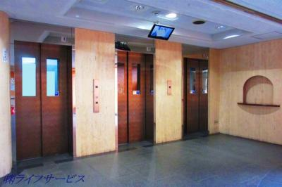 エレベーター3基有