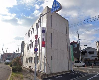 金岡町飲食店可! オシャレな22坪 3階店舗