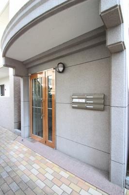 【エントランス】カプリス戸坂中町