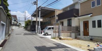 【前面道路含む現地写真】《》神戸市垂水区小束山本町2丁目 新築戸建