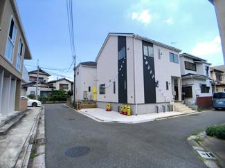 新京成線「高根木戸」駅徒歩11分「高根公団」駅徒歩13分の全1棟の新築一戸建てです。東葉高速線北習志野駅は徒歩17分です。