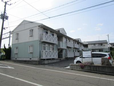 関屋分水路近くのアパートです。