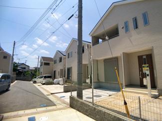 緑豊かな1種低層専用地域の閑静な住宅街です。