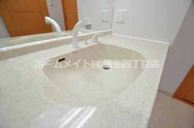 【独立洗面台】リーガル大阪城東