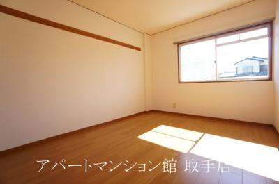 【居間・リビング】本谷ハイツ